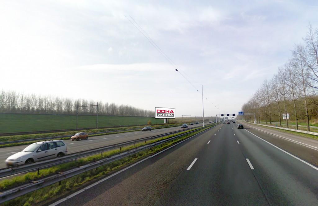 OOHA-reclamemast-A12-zoetermeer